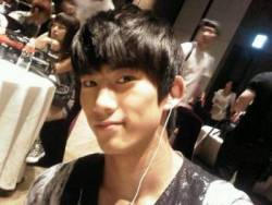 "2PM's Taecyeon Apologizes to Infinite Fans   On June 9, Taecyeon tweeted, ""I think there was a misunderstanding~ I think resolving this is important~ Congratulations to Infinite on its second year anniversary. I will make sure no misunderstandings come up in the future~ ^^"" On June 8, G.Na had tweeted, ""Though I didn't get first place, thank you to all those that voted for me along with Baek Ji Young senior and Infinite senior on today's Mnet M Countdown."" To this Taecyeon had tweeted, ""I'm amazed the Infinite kids are your seniors noona."" G.Na responded, ""whyyyy!! =p hmm guess age wise.. is it because I'm a noona? U guys r like big seniors man. =],"" while Taecyeon responded, ""Like i always say, we′re growing old together haha."" However, some Infinite fans misinterpreted Taecyeon's mention as disregarding Infinite's senior status leading to his clarification and apology.,i>Photo credit: Taecyeon's Twitter"