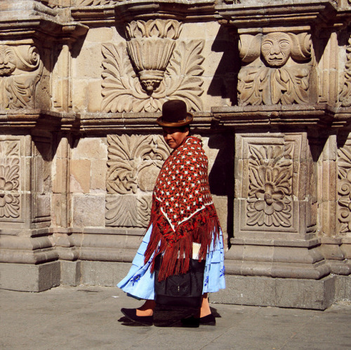 Cholita. La Paz/Bolivia sans titre by amy.herbs on Flickr.