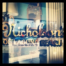 Nicholsons #type #typography #sign