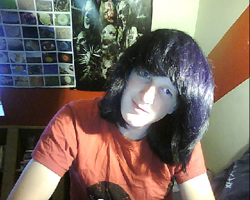 "just dyed my hair from purple to ""cosmic blue"" what d'ya think?"