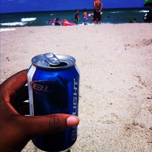 Beachbud… #beach #ocean #sand #budlight #bud  (Taken with Instagram at Hollywood Beach)