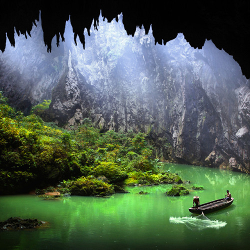 jaymug:  YingXi Corridor of Stone Peaks - China