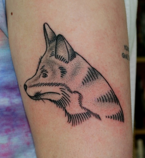 fuckyeahtattoos:  Hand poked fox by Oliver Whiting, at Sith Tattoo Studio, Norwich. oliverwhiting.tumblr.com