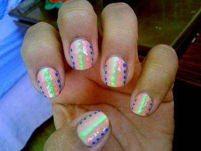 Fun summer neon pattern… Colors used: Essie- brooch the subject Sinful Colors- why not (blue) Sinful Colors- fusion neon (pink) Sinful Colors- neon melon (yellow)