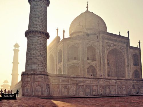 nationalgeographicmagazine:  Taj Mahal, India Photograph by Colin RoohanWhen light pours over the Taj Mahal everything else clears from your mind. The tour guides, the crowds, the construction statistics all become moot. When in the presence of something so divine, just be. Download Wallpaper (1600 x 1200 pixels)  real talk.