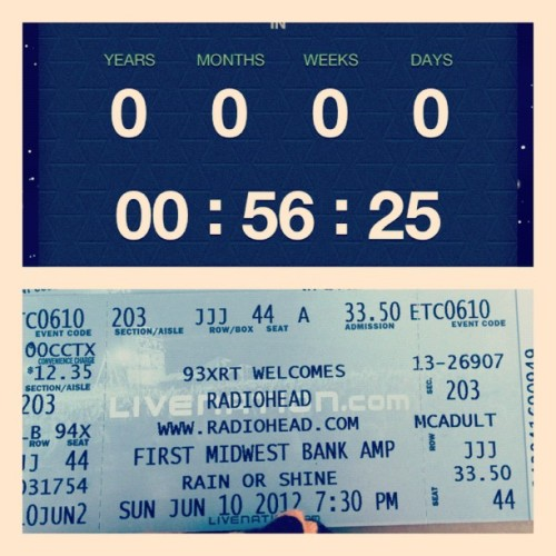 Fuck yeaaaa!! Almost time #radiohead #chicago  (Taken with Instagram)