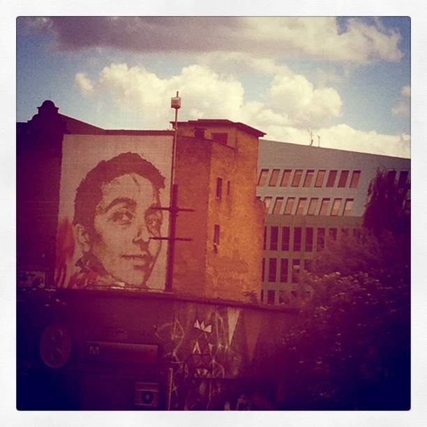 #berlin #streetart #graffiti #berlinwall  (Taken with Instagram)