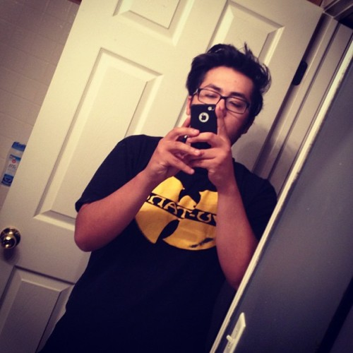 Protect ya neck #wutang #scummy #bathroom #me #killabees #wu (Taken with Instagram)