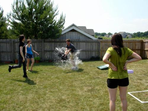 captaincatplante:  jamejarrs:  Me getting nailed by a water balloon at my graduation party. About an hour into it, it just became an all out war. I was soaked.  I was there…. DID YOU SEE ME?  Greatest picture ever XD