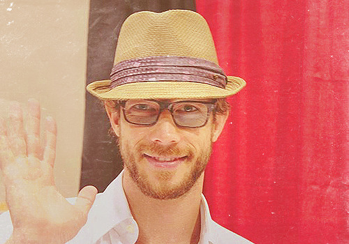 10/50 ♔ Images of Kris Holden-Ried