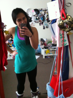 Went to the gym dressed like the hulk by accident… (yes the little fatty is sucking her gut in :3)  Happy long weekend! :) #hulkhomage!