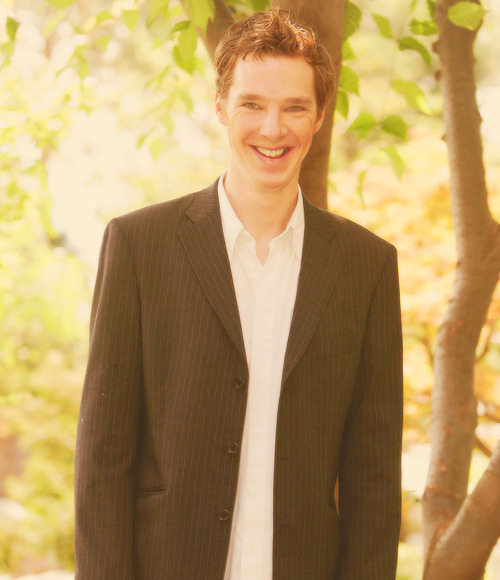 ♦ 44/50 pictures of Benedict Cumberbatch