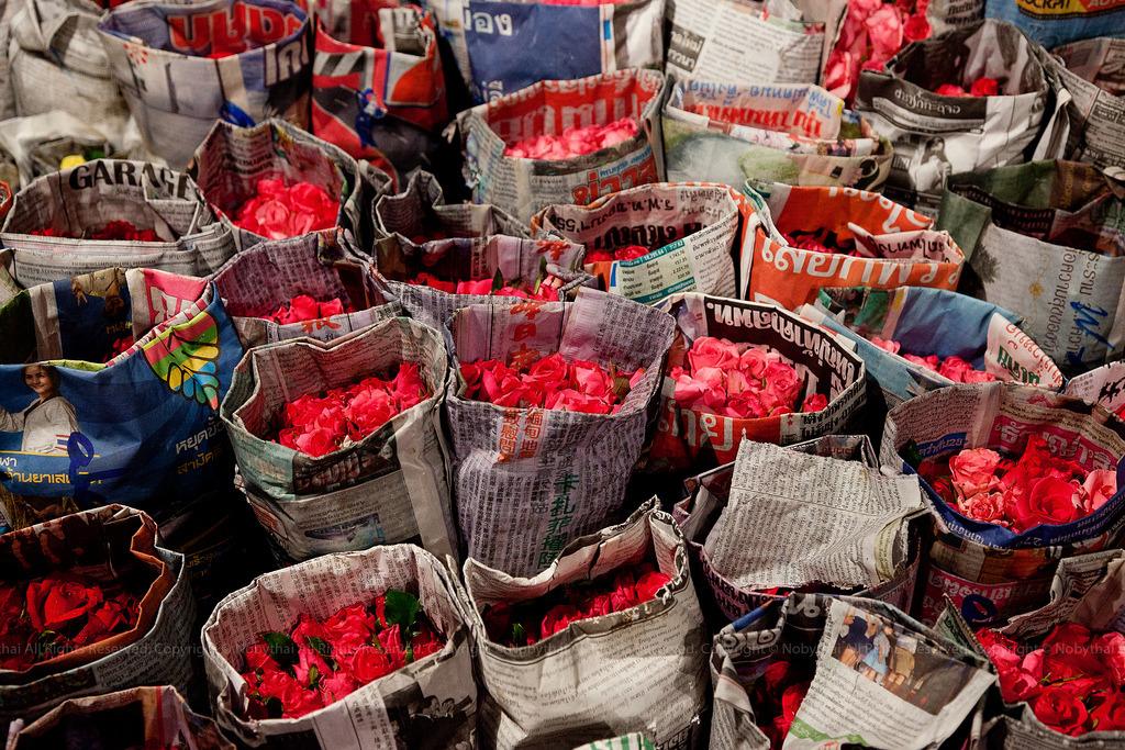 fuckyeahthaiculture:  Pak Khlong Market, Bangkok, Thailand (by Nobythai)