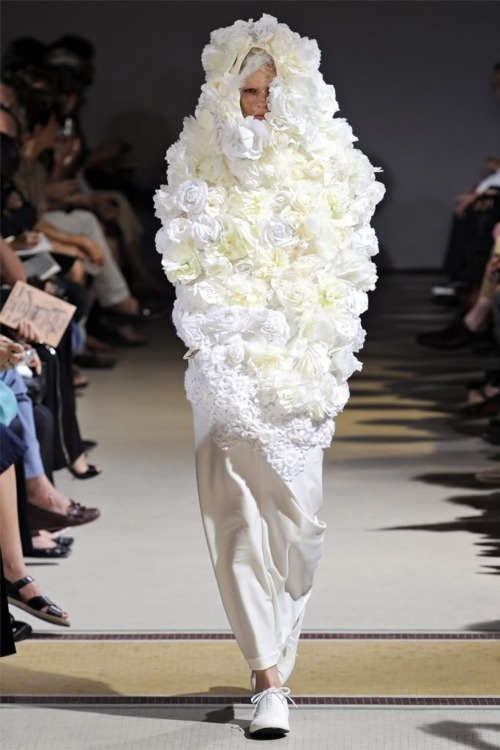 fashion-throwup:  Comme De Garcons. Spring 2012. RTW.