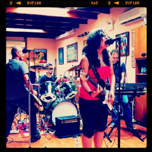 Rehearsing with my band. (Tomada con Instagram)