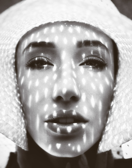 Light Dots by Benjo Arwas