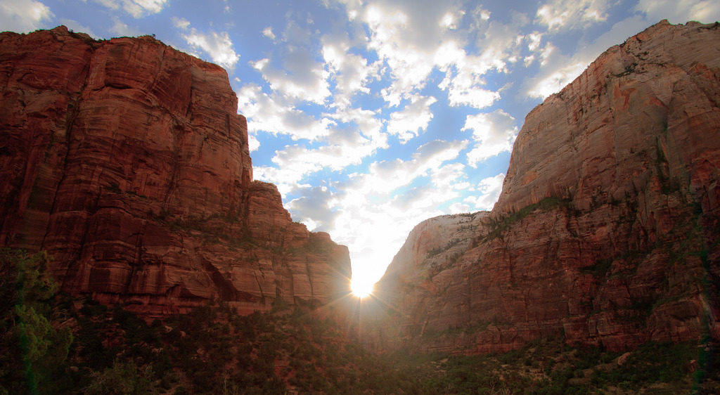 Sun rising thru the Echo canyon, from West rims trail, Zion national Park, Utah
