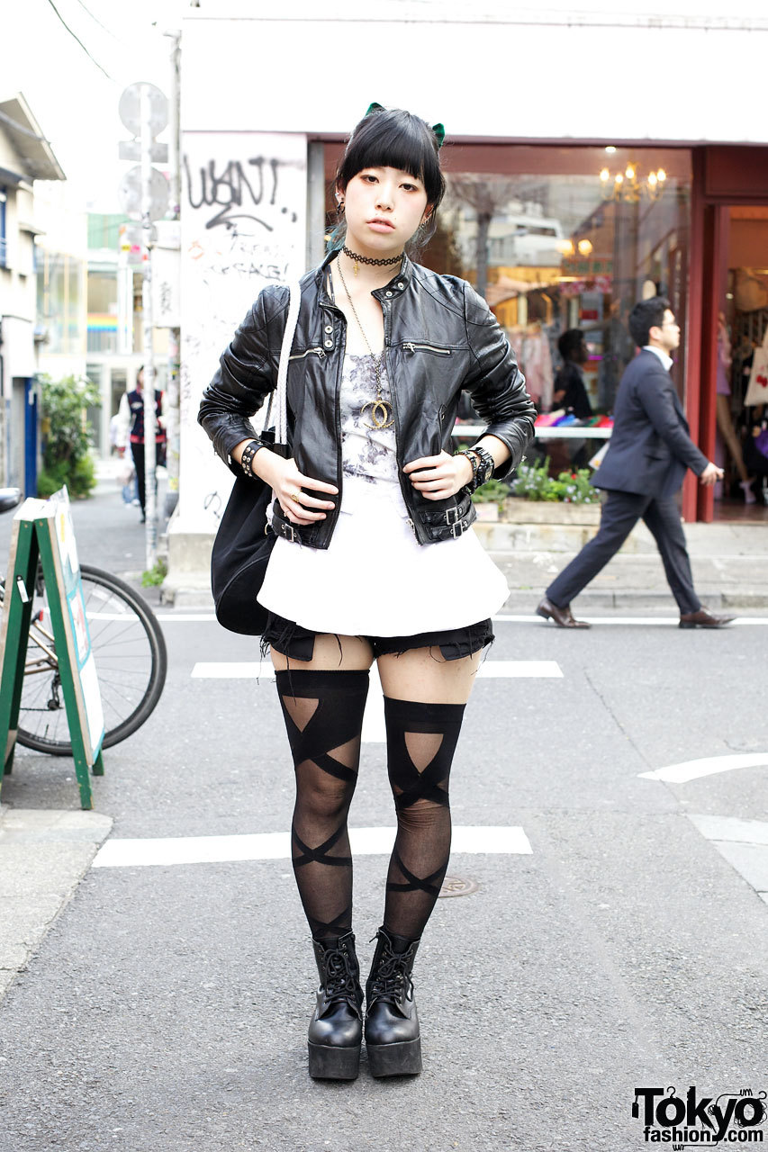 INGNI leather jacket, Bubbles shredded shorts & thigh highs in Harajuku.