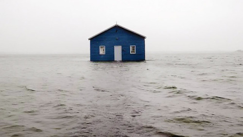 boardface:   the Old Boatshed in Perth, Australia after 140km/h storm  holy shittttttttttttttt