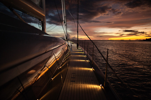prestigiouslife:  Boat and sunset
