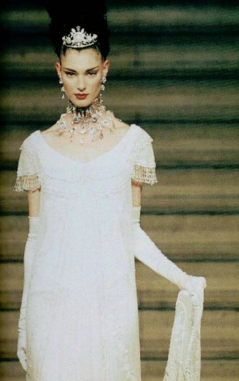 somethingvain:  Givenchy Haute Couture F/W 1997