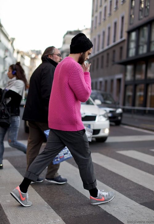 "h-autmonde:  va-st:  ""Real men wear pink"" - Scott Disick  Q'd. I'm on a 2-week vacation ♡"