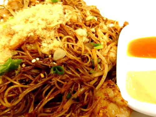 Singapore style noodles at Victoria's Peak! This was the most flavored food I have had since I've been here. Well, that is also because this was at Victoria's Peak. One of the most touristy area you can find. No complaints though.