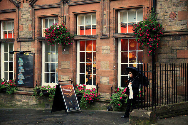 | ♕ |  Scotch Pub in Edinburgh  | by © vic xia via ysvoice | fuckyeahedinburgh