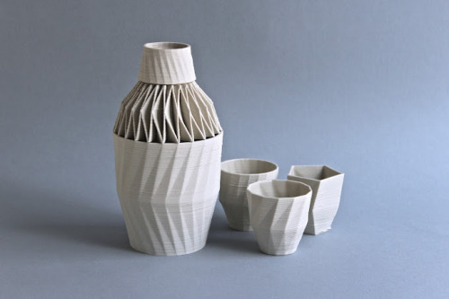 Pushing the Boundaries of Personal 3D Printing in Ceramics Since forming in 2002, Belgian Design Studio Unfold has shown a real passion for creative uses of ceramics in design. More recently they have been busy pushing the boundaries of personal 3D Printing using ceramics and sharing their progress on the Unfold ~fab blog.