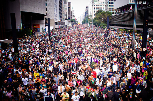 São Paulo's gay pride march, the Parada de Orgulho LGBT, was held yesterday under the banner, 'There is a cure for homophobia: education and criminalization'. The slogan was a response to evangelical Christian preachers in Brazil who have preached a cure for homosexuality. Read all about the fight for equal rights in Brazil: Pride and Prejudice, published last week on Folha de S.Paulo newspaper's 'From Brazil' blog, in English. Photo by Fora de Eixo, on Flickr.