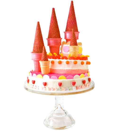 parenting:  31 Totally Awesome Birthday Cake ideas  Make this pretty castle cake!