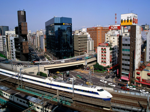 escape-to-asia:   Bullet Train, Ginza District, Tokyo, Japan