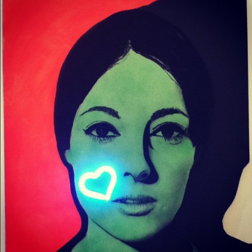 #modern #art #face #girl #heart #neon #light #nice #france  (Taken with Instagram at MAMAC, Nice, France)