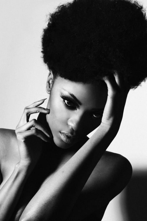 seyeisikalu:  Tiara @ Storm Hair/ Kieron Roberts  Make-up/ Nikki Wolfe(photo: seye isikalu)