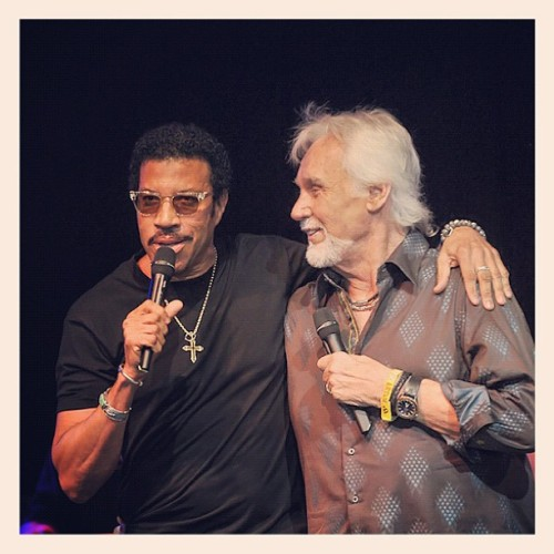 #LionelRichie joined #KennyRogers on stage yesterday at #Bonnaroo! To see more of our Bonnaroo photos, head to RollingStone.com. (Taken with Instagram)