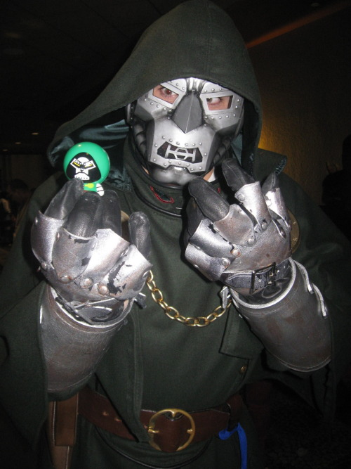 cdoomgoesplaces:   Doom found himself at ColossalCon this weekend.