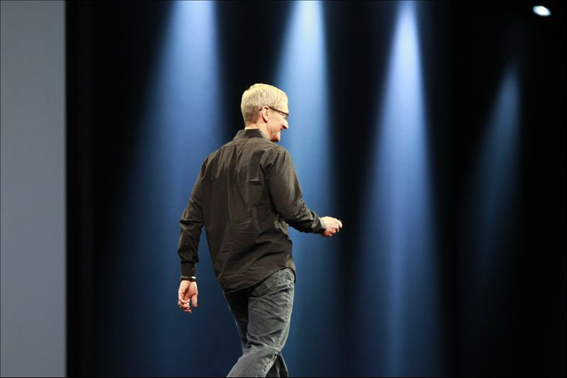 Apple CEO Tim Cook at the Apple Worldwide Developers Conference 2012 in San Francisco, California June 11, 2012.  [REUTERS/Stephen Lam] LIVE BLOG: Apple's WWDC 2012