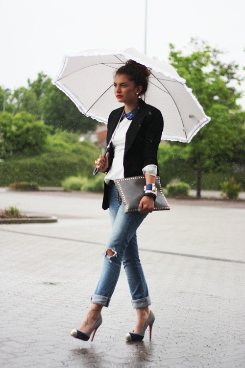 what-do-i-wear:  blazer: Primark// sequin peplum top: Romwe // jeans: Zara // studded clutch: VJ-Style // bracelets: Lookbookstore/Asos // pumps: Sheinside (image: fashionhippieloves)  (via imgTumble)