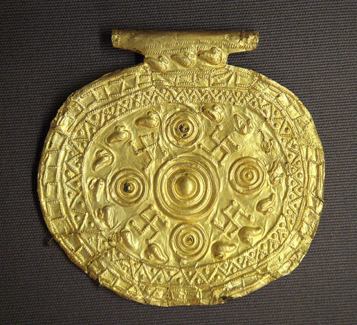 collective-history:  Etruscan pendant with swastika symbols, Bolsena, Italy, 700-650 BC. Louvre Museum. Etruscan civilization is the modern English name given to a civilization of ancient Italy in the area corresponding roughly to Tuscany, western Umbria and northern Latium. The ancient Romans called its creators the Tusci or Etrusci.
