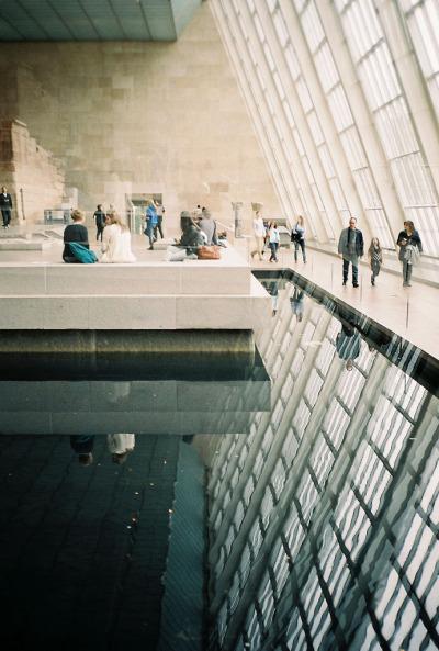 livinginwater:  Tory Hewitt  Metropolitan Museum of Art, New York, NY