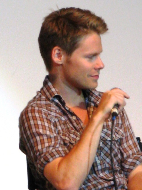 nivahlpassions:  Qaf Convention. My photos. Don't repost only reblog. Thank you!!!