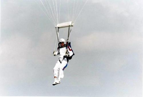 ourpresidents:  Did you know George H. W. Bush likes to skydive on his birthday? Our 41st POTUS celebrated his 75th, 80th, and 85th birthdays by plane and parachute. Here's President Bush on his 75th birthday - skydiving above the Bush Library in College Station, TX.Happy Birthday George H. W. Bush!-from the Bush Library