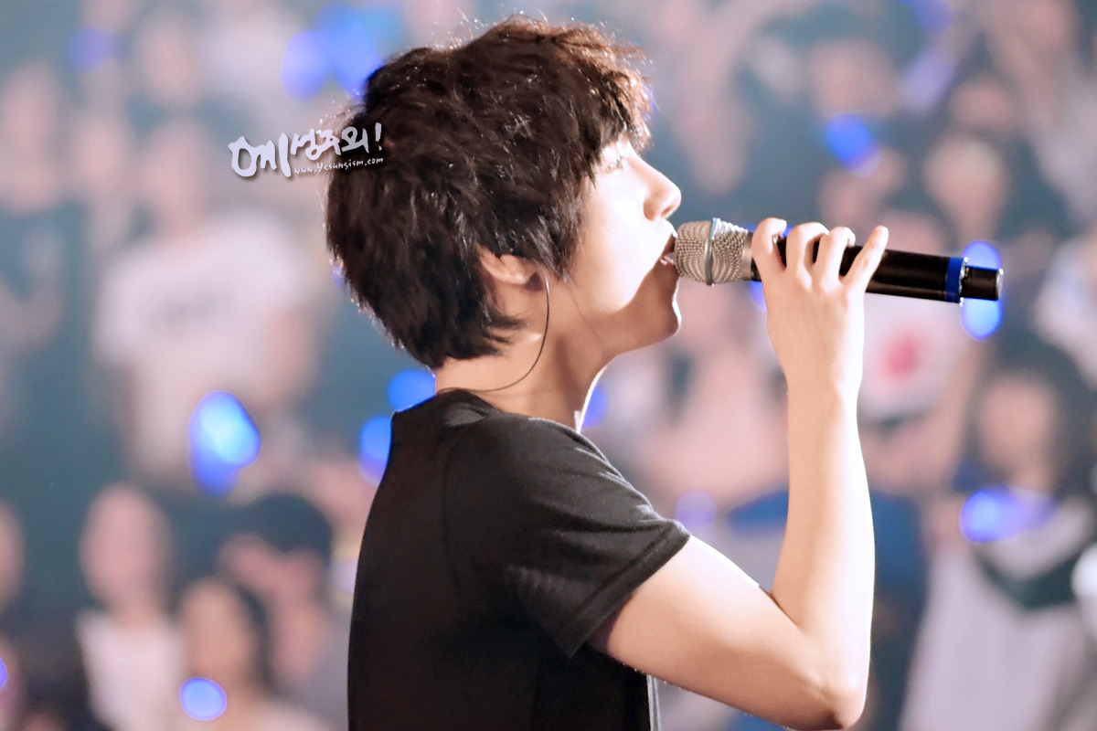 cr: yesungism, do not modify or crop the logo
