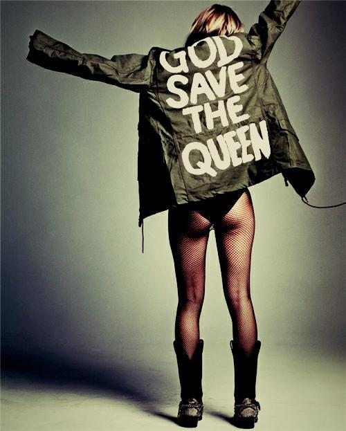 servetheservants-ohno:  Kate Moss.