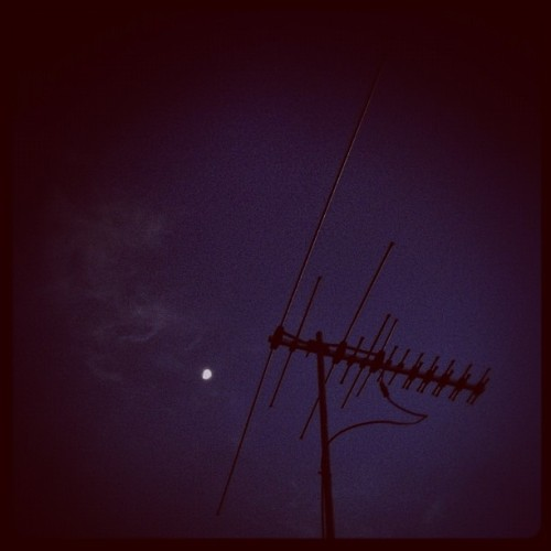 Day 8 | Six o'clock | AM ugh :P | #moon #morning #cold #photoadayjune  (Taken with Instagram)