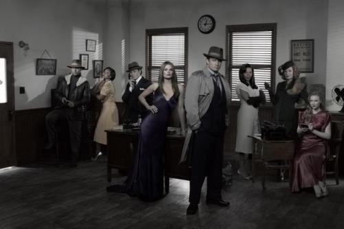 Another group shot of the cast of Castle