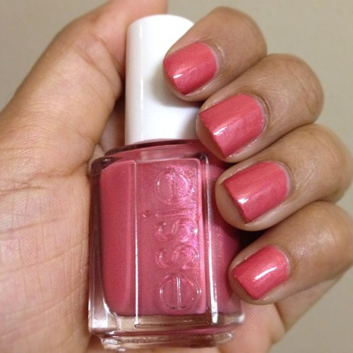 "Weekly Nails:  Essie nailpolish in ""Your Hut or Mine"""