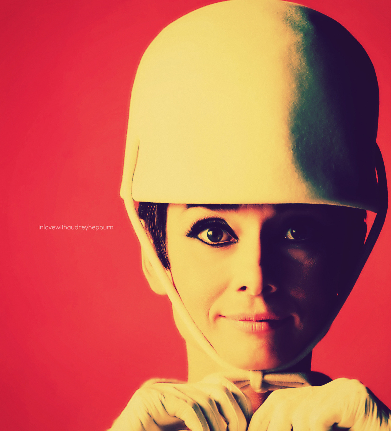 inlovewithaudreyhepburn:  Audrey Hepburn ♥ How to Steal a Million