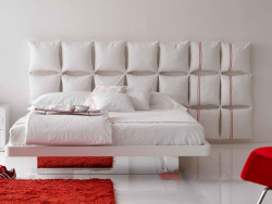 micasaessucasa:  Pillow Headboard Ideas  (via imgTumble)