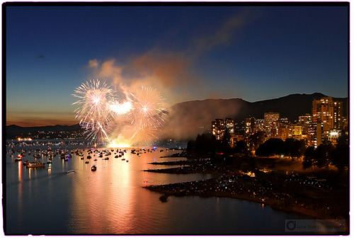 sammiikins:  thecanadablog:  Celebration of Light by PiscesDreamer on Flickr.  ^ Do yourself a favour and view the high res… whoa